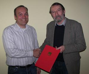 Andreas Händel gratuliert Ulrich Jeltsch